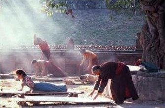 Cele 5 exerciţii tibetane ale tinereţii eterne; cu ele, un chinez a trăit 256 de ani!