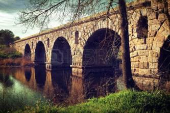 """""""Podul uriaşilor"""" peste Dunăre, între Galaţi şi Brăila - o construcţie misterioasă din vremuri biblice, când trăiau giganţi pe Terra"""