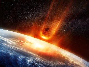 """""""Cartea lui Enoh"""" - interzisă de Biblie - ne povesteşte despre o civilizaţie extraterestră (200 de Uriaşi) care a hotărât distrugerea umanităţii, cu ajutorul unei comete"""