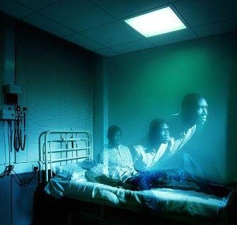 """Un englez a fost declarat """"mort"""" de către medici şi dus la morgă... După câteva ore a """"reînviat"""" şi a povestit tuturor cum e viaţa după moarte!"""