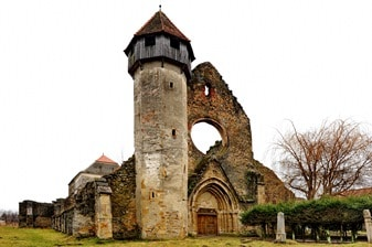 Legenda tulburătoare a mănăstirii de la poalele Munţilor Făgăraş, acolo unde s-au găsit 5 schelete de uriaşi