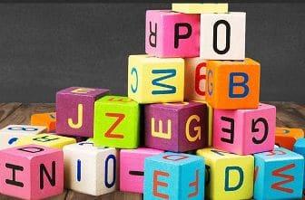 Ştiaţi că... cel mai lung cuvânt din limba română are 36 de litere şi e aproape imposibil de pronunţat?
