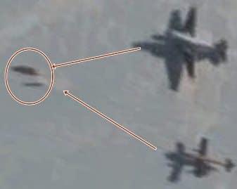 Două avioane din Antarctica urmăresc un OZN misterios pe Google Earth?