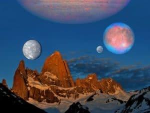 """Misterul norilor Kordylewski: Pământul mai are încă doi """"sateliţi naturali"""", în afară de Lună, dar nu e ceea ce noi credem"""