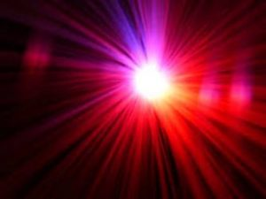 Misteriosul obiect ceresc roş-portocaliu din China care a explodat în trei părţi