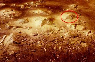 """Piramidă străveche şi """"Sfinx"""" pe planeta Marte! Ce fiinţe / civilizaţii au trăit acolo?"""