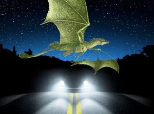 Ce-aţi face dacă, noaptea la ora 11, un dragon imens ar trece deasupra maşinii voastre? Cam asta a păţit o femeie din California...