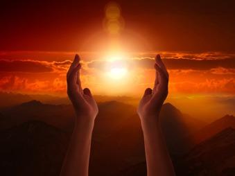 Dumnezeu nu ne părăseşte niciodată!