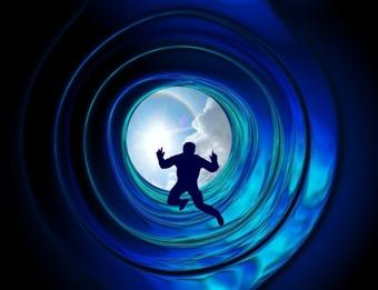 """Cazuri care arată că moartea nu poate fi păcălită, exact ca în filmul """"Destinaţie finală""""! Matrix-ul mai dă greş din când în când?"""