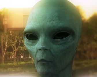 10 fotografii incredibile cu extratereştri! Măcar una din acestea o fi adevărată?