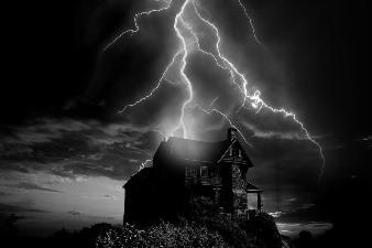 Fulgerele întunecate - fulgere fără lumină, care produc pe Pământ raze gama periculoase