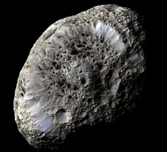 Enigma satelitului lui Saturn, Hyperion - există viaţă pe acest corp ceresc extrem de bizar?