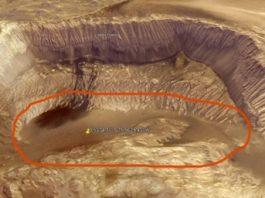 Google Earth a surprins ceva incredibil: pe planeta Marte se poate observa o suprafaţă mare cu apă!?