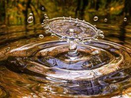 Vreţi să vă curăţaţi trupul şi să scăpaţi de toxine? Beţi în fiecare zi apă fiartă!