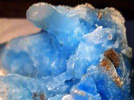 Misterioasa gheaţă albastră căzută din cer în România: e de origine extraterestră!?