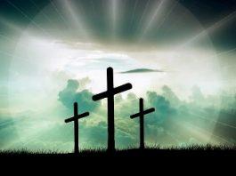 """""""Crucea n-a fost un simbol creştin de la bun început, fiind inspirată din vechiul Babilon"""" - crede un scriitor şi cercetător"""