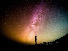 Muzicienii de la festivalul Sonar din Spania au trimis melodii speciale către o exoplanetă aflată la 12 ani-lumină distanţă de Terra! În anul 2042 vom primi răspunsul de la extratereştri?