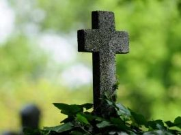 Blestemul mormântului fără iarbă - o poveste care arată că dreptatea acţionează şi dincolo de moarte