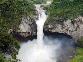 O gaură gigantă misterioasă a distrus cea mai înaltă cascadă din Ecuador