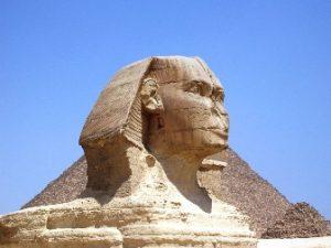 De ce textele antice nu menţionează nimic despre vechimea Marelui Sfinx egiptean? Are acest monument o vechime de peste 12.000 de ani, şi nu 4.500 de ani, cum cred arheologii?