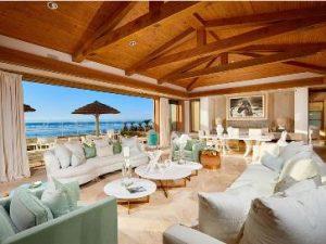 Bill Gates şi-a mai satisfăcut o poftă: a dat 43 de milioane de dolari pe o vilă situată la malul mării. Deşi mai avea o mulţime de proprietăţi, printre care o locuinţă de... 127 de milioane de dolari