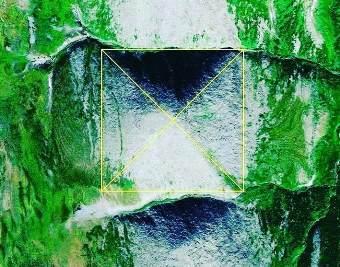 Cu ajutorul lui Google Maps a fost descoperită o piramidă gigantică în Munţii Ural? S-ar părea că ea este de câteva ori mai mare decât Marea Piramidă egipteană de la Giza...