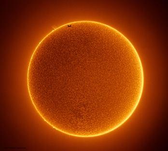 """Soarele nostru """"se răceşte"""", ca urmare a intrării într-o stare de """"minimum solar""""? Avertisment al unor oameni de ştiinţă"""