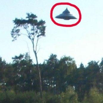 În Polonia a fost observat un OZN incredibil... cea mai bună dovadă fotografică din ultimii 40 de ani, care arată realitatea OZN-urilor!