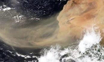 Un nor gigantic de praf din Sahara acoperă zilele acestea părţi din SUA. De ce?
