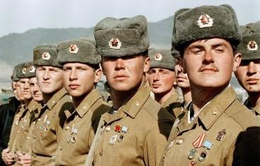 30.000 de militari / spioni ruşi au stat în 1990 în România. Ce misiune secretă aveau ei?