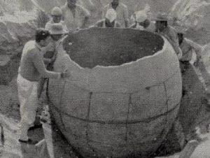 O descoperire din Peru de care (probabil) n-aţi auzit niciodată: un vas gigantic de 2,8 de metri înălţime, vechi de 2.400 de ani