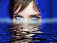 Ochii albaştri provin de la o singură persoană ce a trăit în zona Mării Negre acum 7.000 de ani. Mutaţie genetică întâmplătoare sau experiment extraterestru?