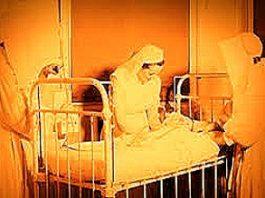 Călugăriţa care îngrijea doi bolnavi, foarte contagioşi: făcea asta pentru un sac cu bani sau pentru altă răsplată?