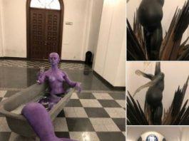 Sculpturi demonice expuse într-o primărie din Bucureşti! De ce se promovează aşa ceva?