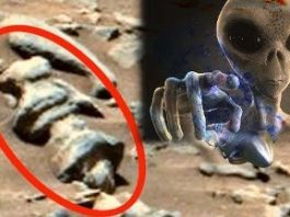 Artefacte extraterestre s-ar putea afla pe Lună şi pe alte planete - susţine un nou studiu ştiinţific