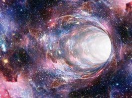 """Teoria ciudată din fizică care ne spune că """"fiecare lucru este peste tot, tot timpul"""""""