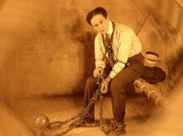 Celebrul magician Houdini şi-a dezvăluit secretele iluziilor sale după moarte?