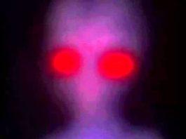 Ruşii au capturat în 1986 o entitate extraterestră, din ai cărei ochi radia o lumină roşiatică? Ce s-a întâmplat cu ea?