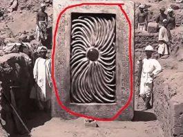 """În 1903, în Samarkand (Uzbekistan) s-a descoperit o misterioasă """"poartă stelară""""? De-atunci, artefactul n-ar mai fi fost văzut... cine l-ar fi ascuns şi de ce?"""
