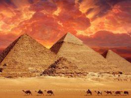 O teorie interesantă a unui profesor român: piramidele din Egipt ascund o informaţie esenţială cu privire la extratereştrii care ne-au vizitat Pământul în trecut