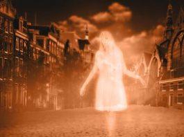 O teorie bombă: strigoii sunt, de fapt, manifestări prin telepatie ale celor îngropaţi prematur!?