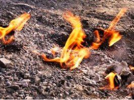 """Legenda """"Focului Viu"""" din Munţii Buzăului ne spune că dincolo de el s-ar afla iadul..."""